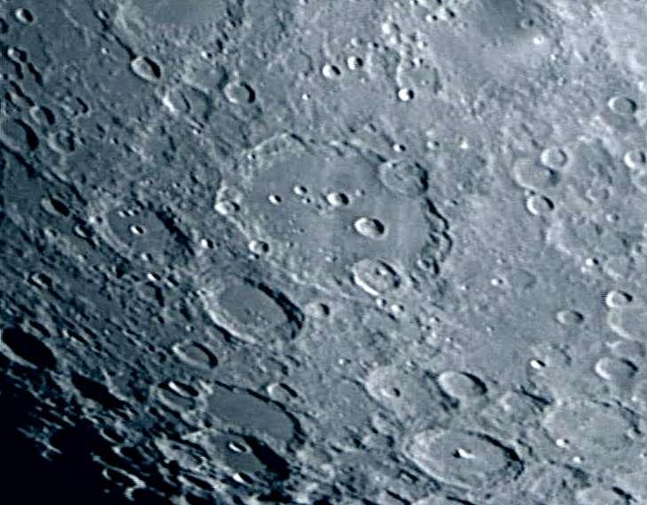 La luna con el telescopio remoto en vivo ahora