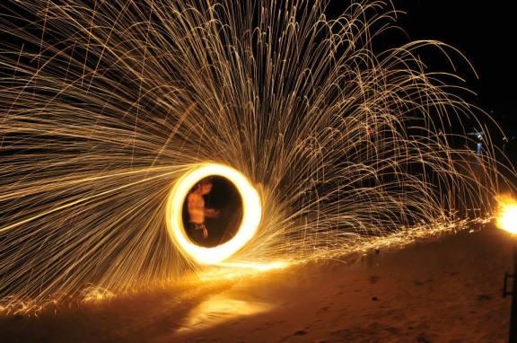 Espectáculo de fuegos en la playa, Phi Phi