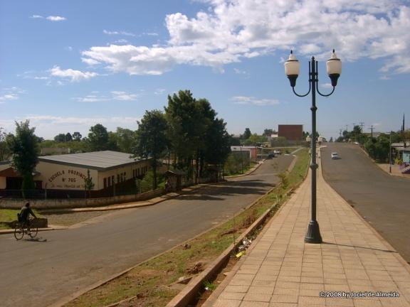 A la izquierda Argentina, a la derecha, Brasil (vía Panoramio)