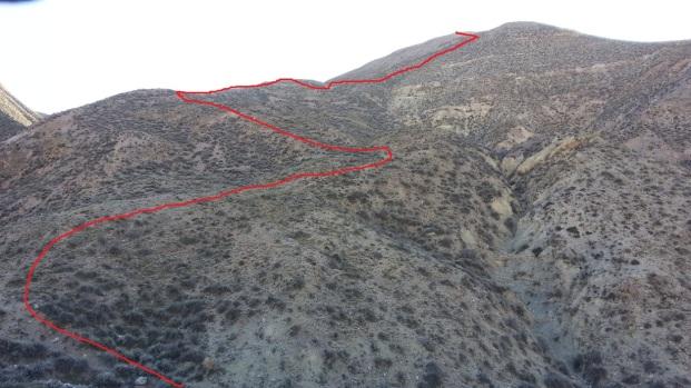 Ya bien sobre la base del morro, se aprecia la primera parte del cerro (Click para agrandar)